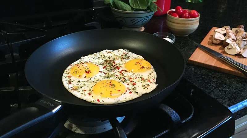 Best Skillet For Eggs Review 2020