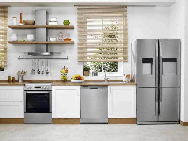 9 Obvious Signs You Want a New Refrigerator