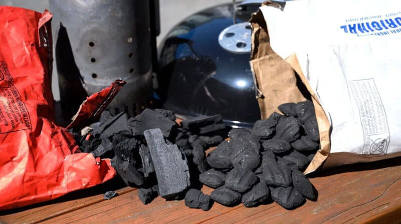 The Way to Choose Between Different Kinds of Charcoal